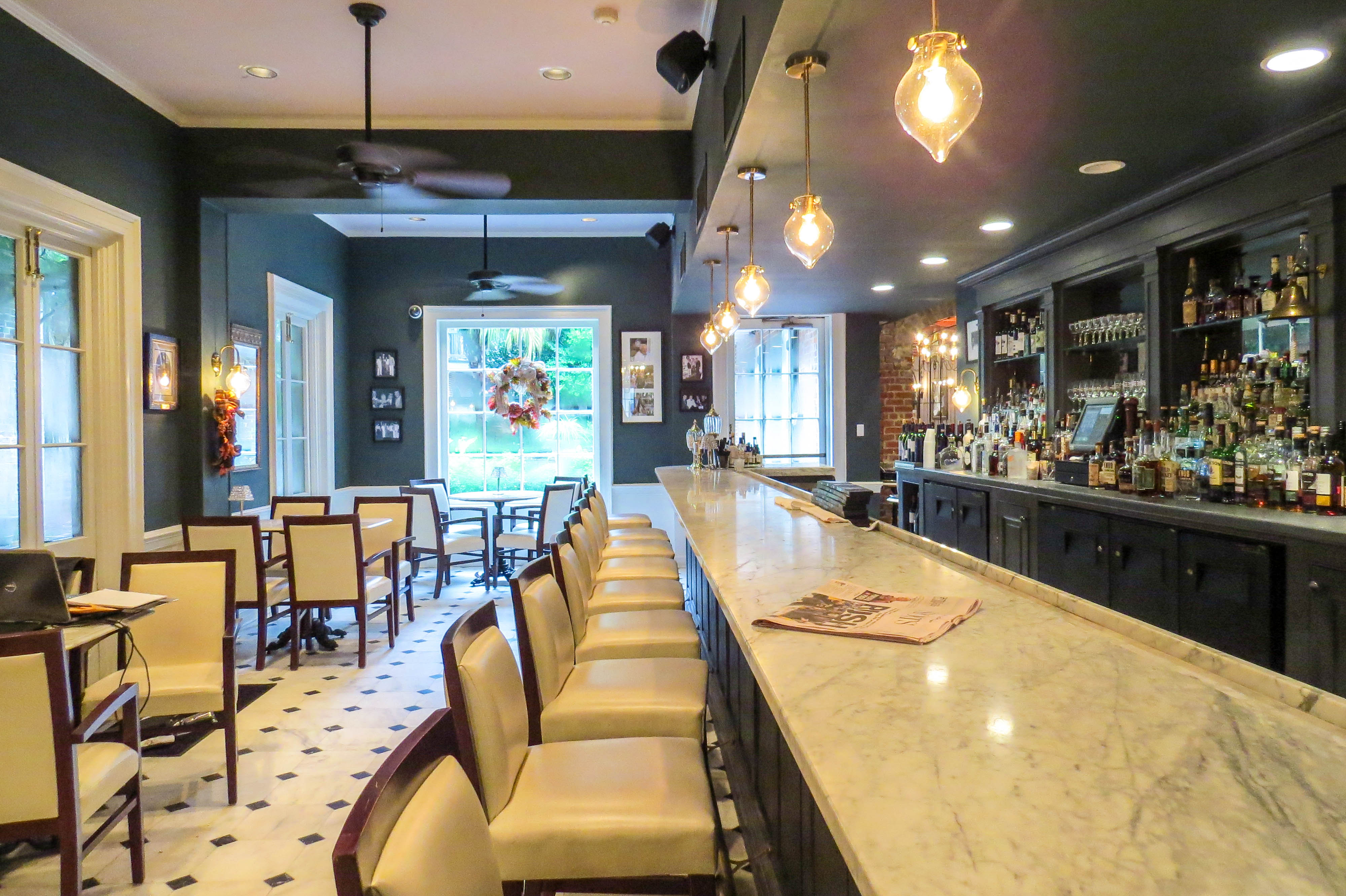 7 Great Happy Hours in New Orleans French Quarter & CBD