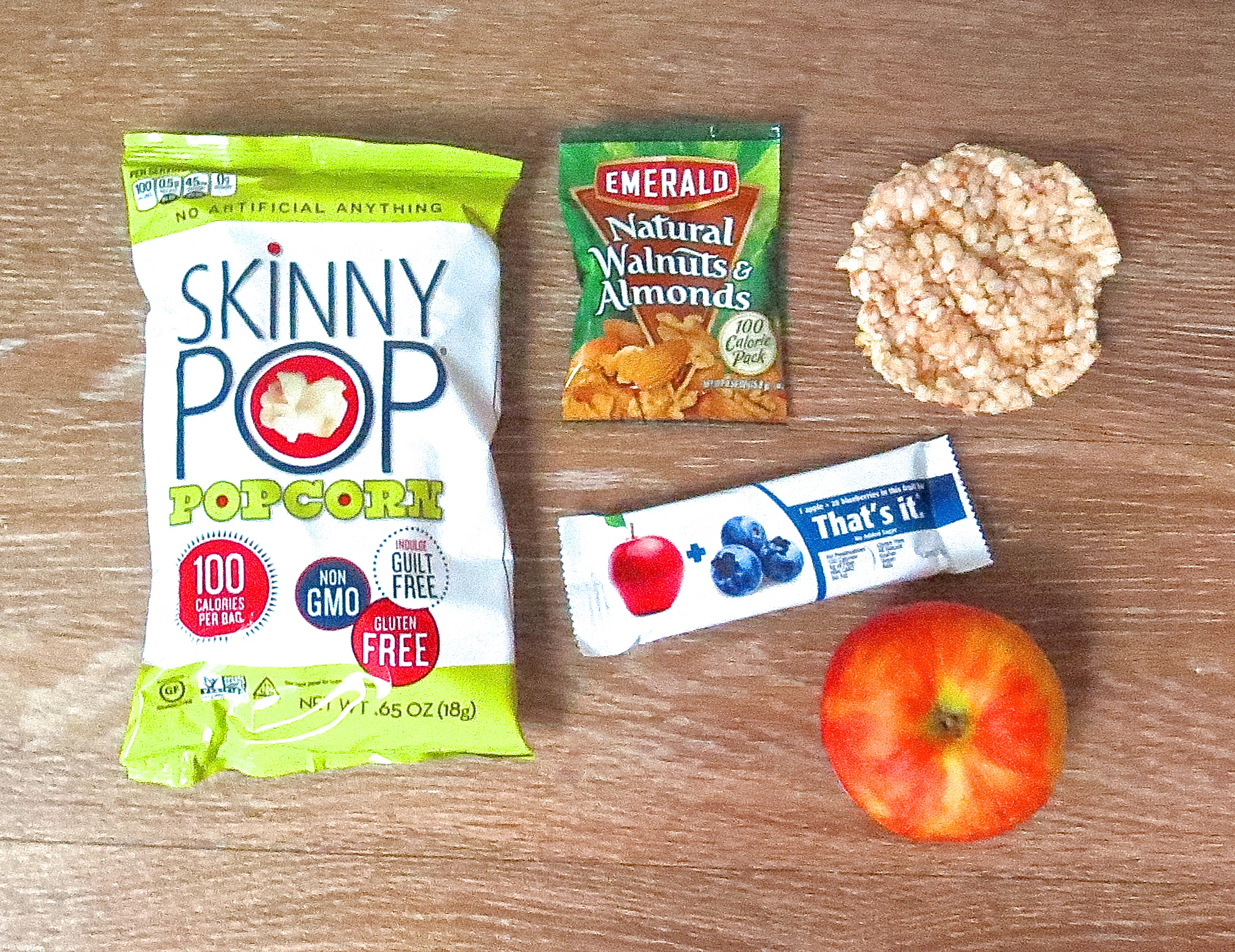 5 Travel Snacks With Less Than 3 Ingredients & 100 Calories